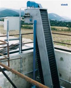 Máy tách rác dạng băng tải nhựa PKI